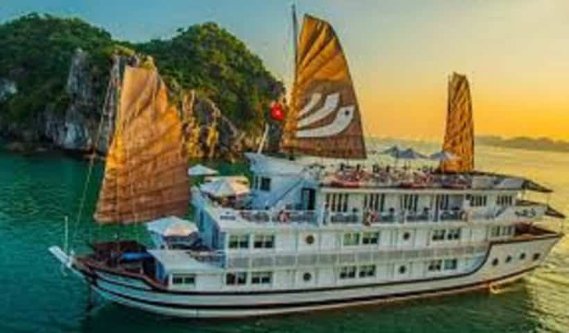 Ha Long Bay Boat Cruise