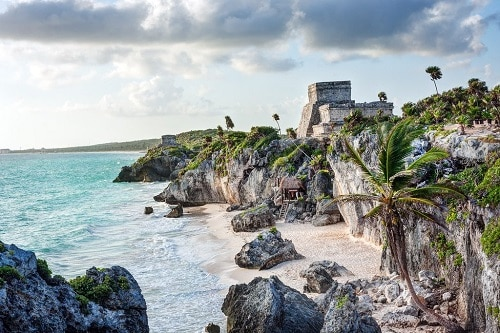 THE MAYAN RUINS AT TULUM